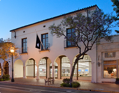 Looking for an AT&T Store Near Santa barbara? Santa Barbara Store Paseo Nuevo Space , Santa Barbara, CA La Cumbre Plaza Store S. La Cumbre Road, Santa Barbara, CA Enjoy AT&T Services in These Other California Cities: Read Your Neighbors' Reviews of AT&T in Santa Barbara.